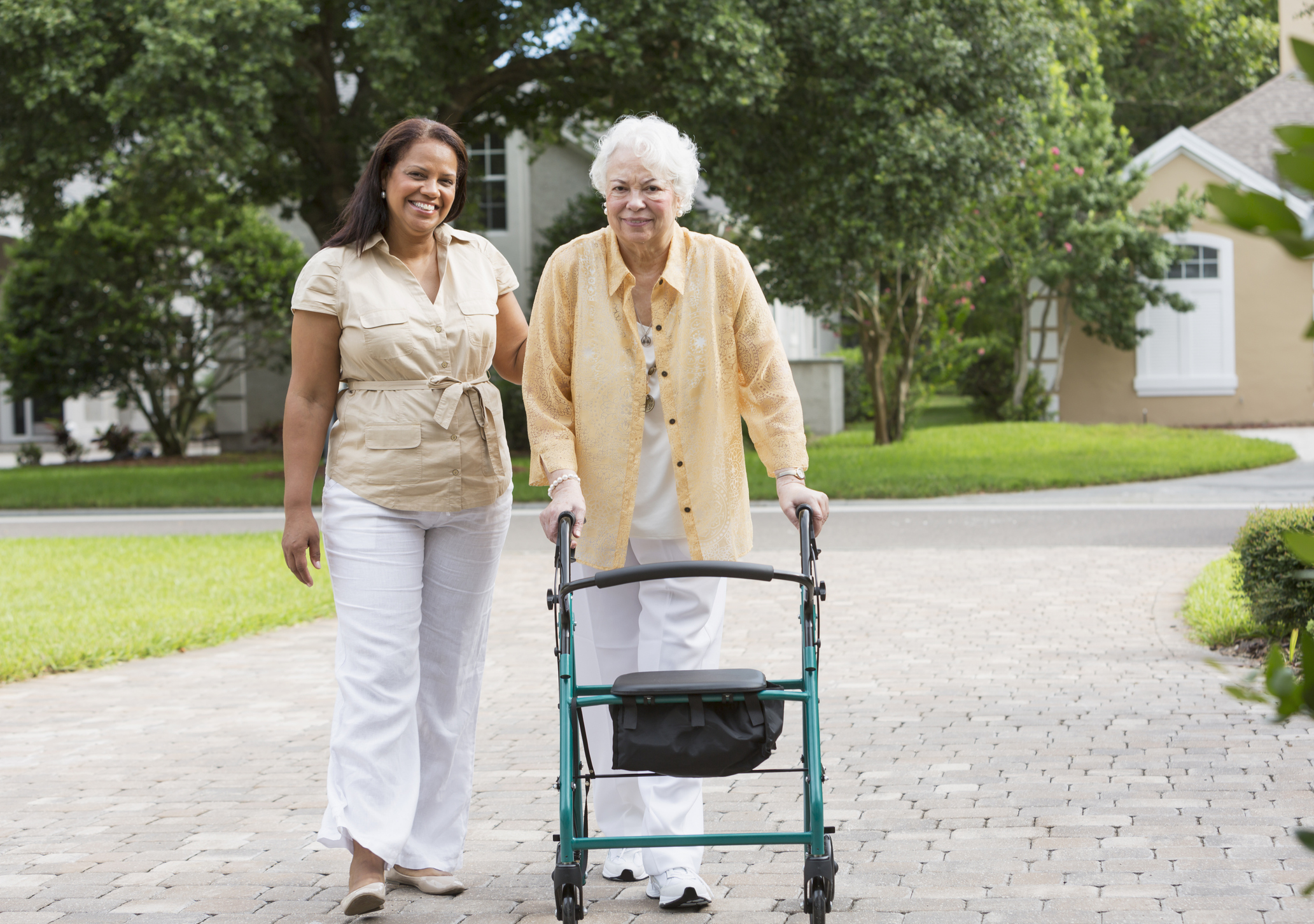 Moving an aging parent into an assisted living can be difficult , follow these tips for easy transition.